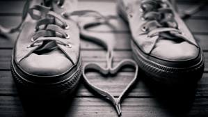converse sneaker with heart